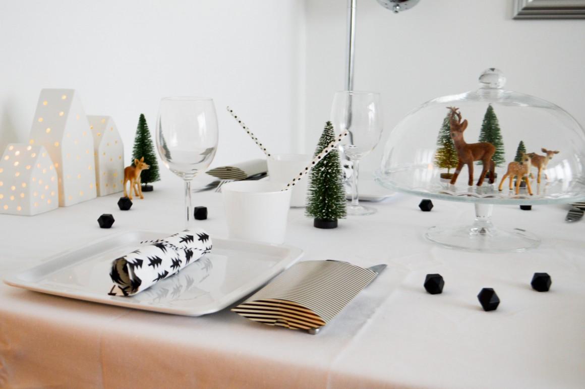 table de no l black white malice et blabla. Black Bedroom Furniture Sets. Home Design Ideas